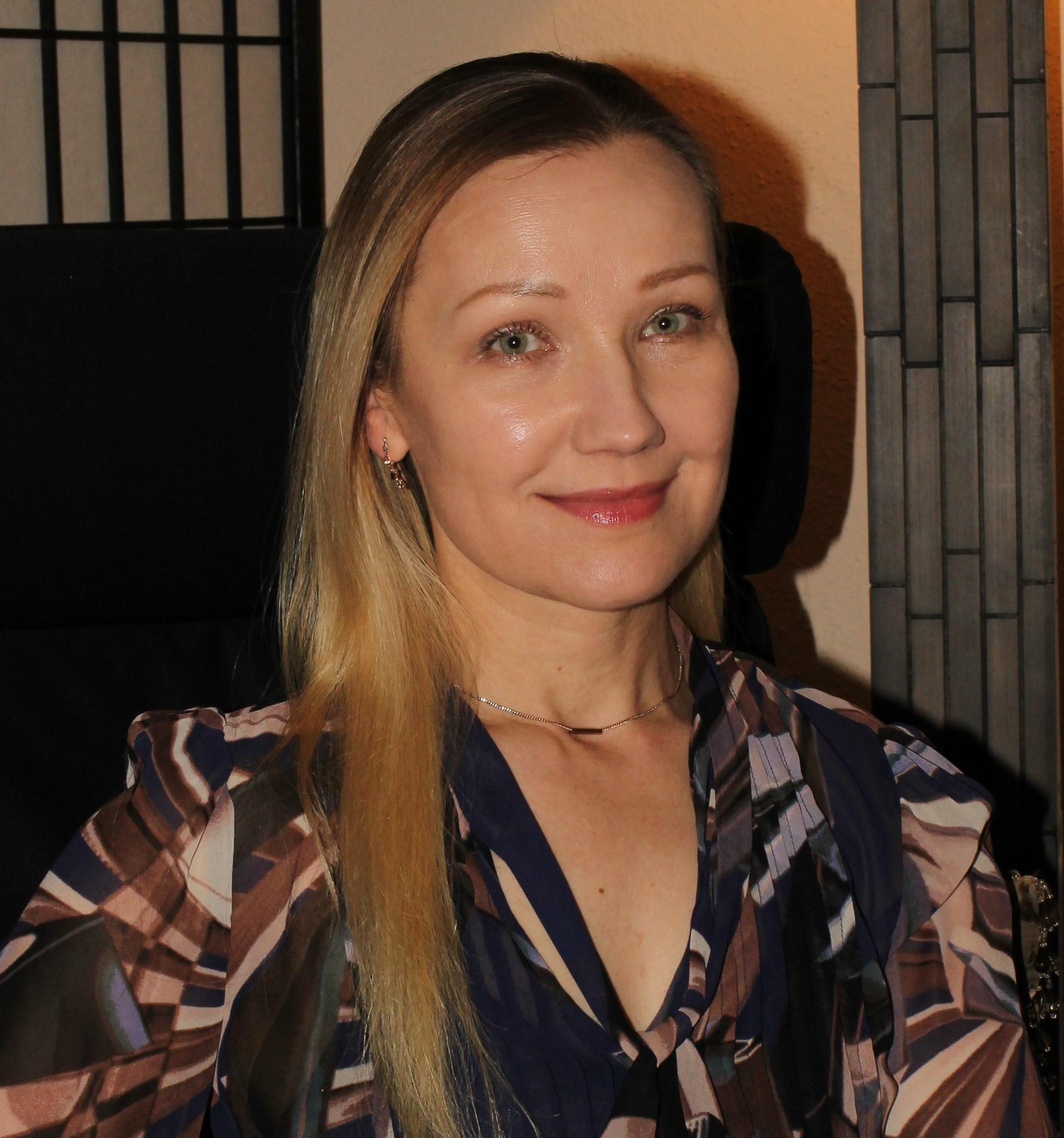 Irina Adams, Therapist